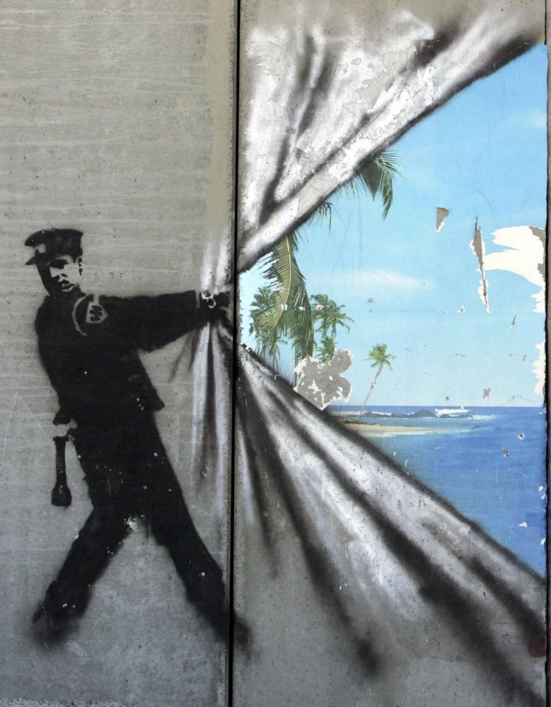 Banksy, Polis Duvarı Yırttı, Kanvas Tablo, Banksy