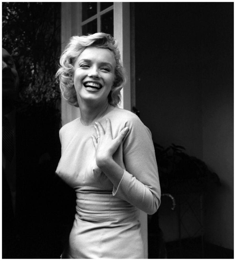 Marilyn Monroe Best Images Standing While Smiling, Marilyn Monroe, Poster Satış, all posters, kanvas tablo, canvas print sales
