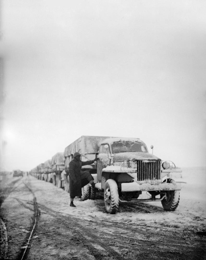 A United States Army Truck Convoy Carrying Supplies for Russia Poster, Cars, Poster Satış, all posters