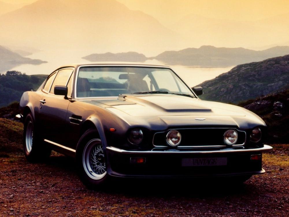 1977 Aston Martin V8 Vintage Car Poster, Cars, Poster Satış, all posters