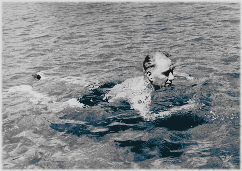 Mustafa Kemal Atatürk, Denizde Yüzüyor, Mustafa Kemal Atatürk, Poster Satış, all posters, kanvas tablo, canvas print sales