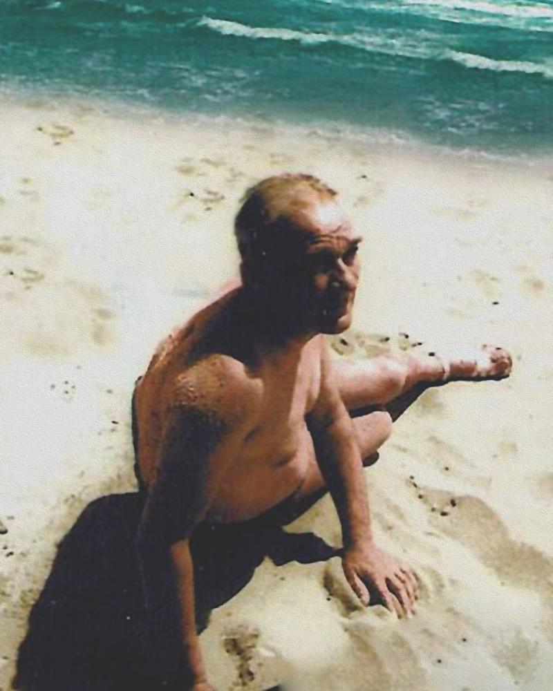 Mustafa Kemal Atatürk, Kumda Güneşleniyor, Mustafa Kemal Atatürk, Poster Satış, all posters, kanvas tablo, canvas print sales