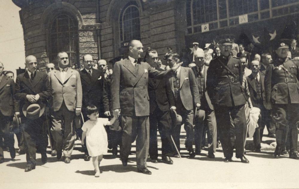 Mustafa Kemal Atatürk, with Spiritual Daughter Ülkü, Mustafa Kemal Atatürk, Poster Satış, all posters, kanvas tablo, canvas print sales