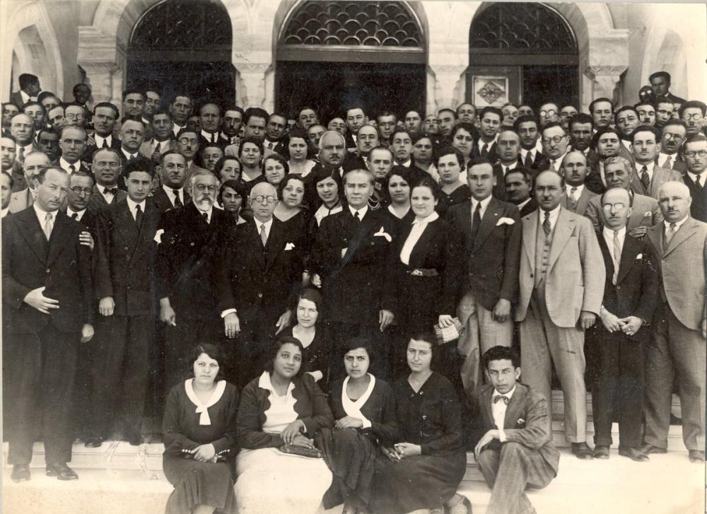 Mustafa Kemal Atatürk, Öğrenci ve Öğretim Görevlileriyle, Mustafa Kemal Atatürk, Poster Satış, all posters, kanvas tablo, canvas print sales