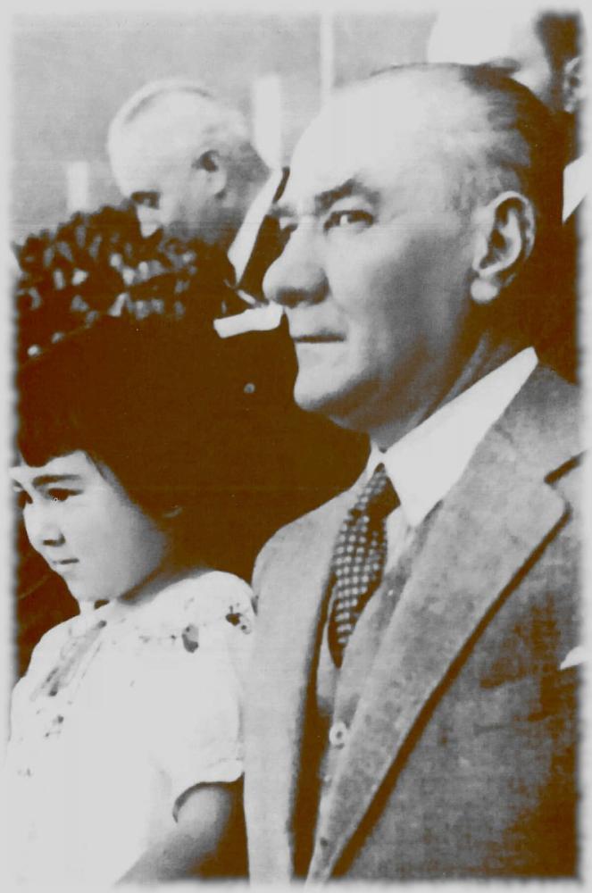Mustafa Kemal Atatürk with Little Ülkü, Mustafa Kemal Atatürk, Poster Satış, all posters, kanvas tablo, canvas print sales