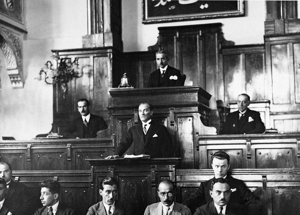 Mustafa Kemal Atatürk at the Chair of the Assembly, Mustafa Kemal Atatürk, Poster Satış, all posters, kanvas tablo, canvas print sales