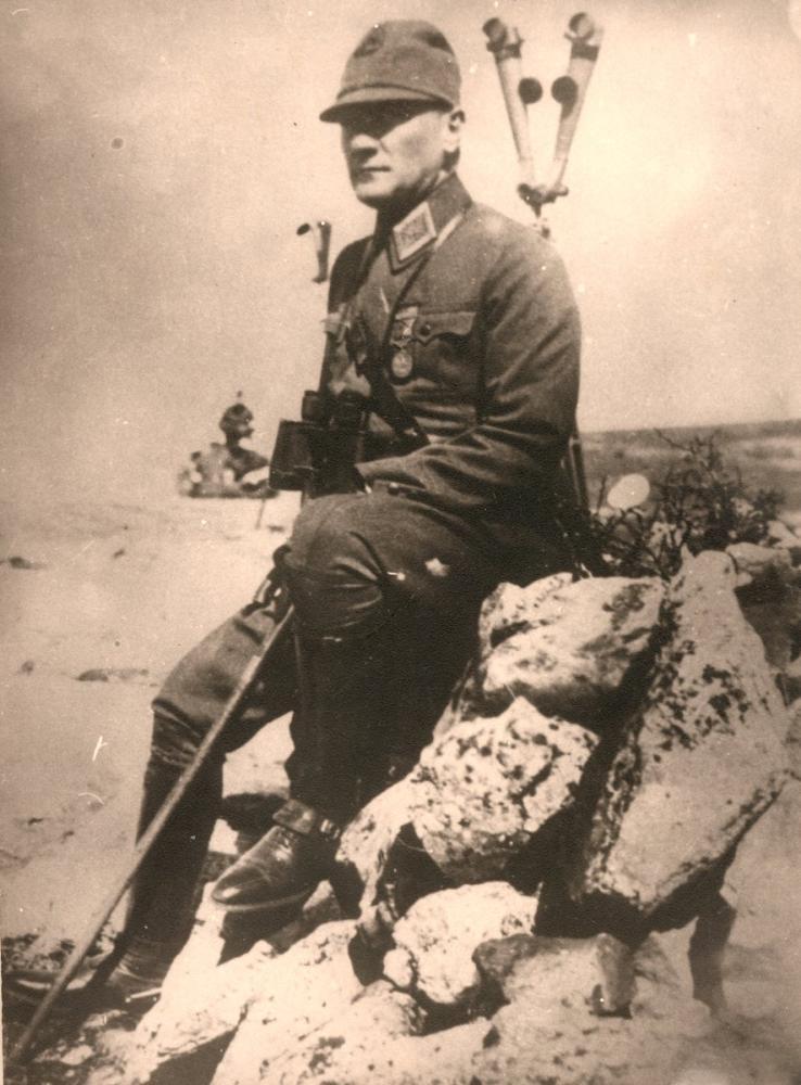 Mustafa Kemal Atatürk on the Battlefield, Mustafa Kemal Atatürk, Poster Satış, all posters, kanvas tablo, canvas print sales