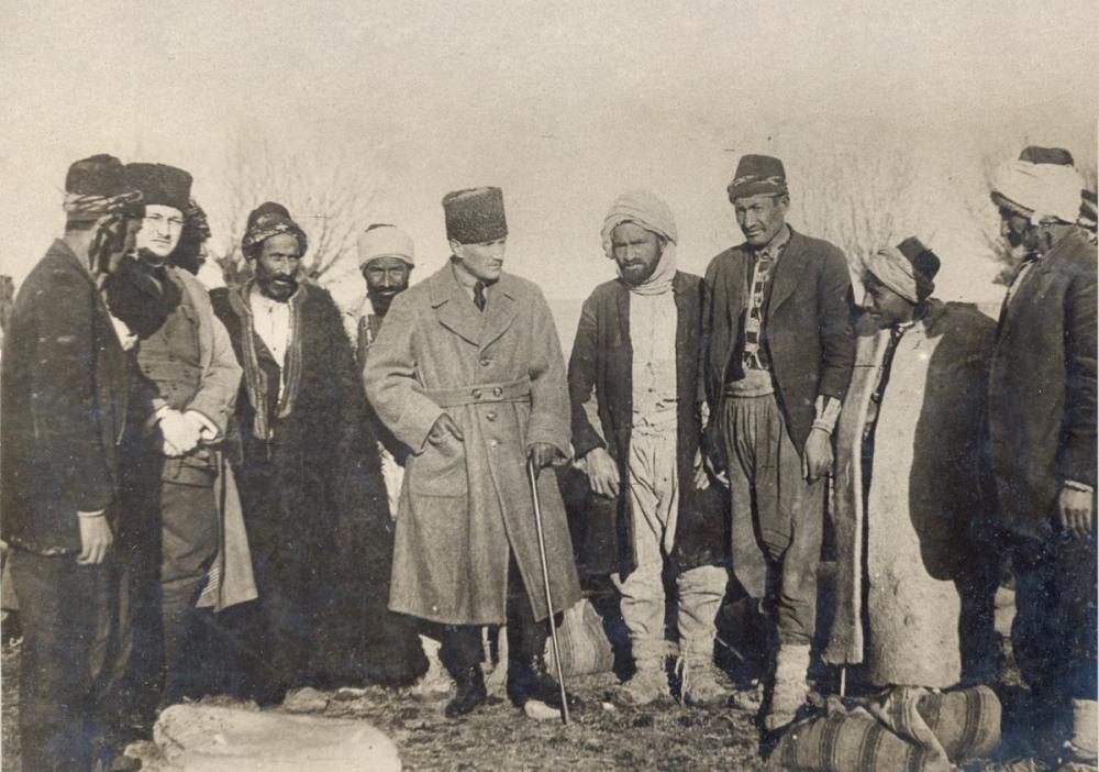 Mustafa Kemal Atatürk with the Deveciler Behind the Facade, Mustafa Kemal Atatürk, Poster Satış, all posters, kanvas tablo, canvas print sales