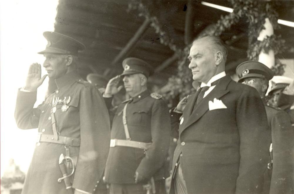 Mustafa Kemal Atatürk with Reza Shah Pahlavi, Mustafa Kemal Atatürk, Poster Satış, all posters, kanvas tablo, canvas print sales