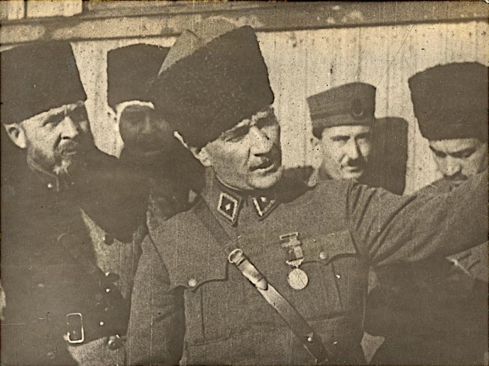 Mustafa Kemal Atatürk, Milli Mücadele ile İlgili Konuşurken, Mustafa Kemal Atatürk, Poster Satış, all posters, kanvas tablo, canvas print sales