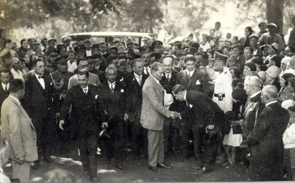 Mustafa Kemal Atatürk, Halkla Birlikte, Mustafa Kemal Atatürk, Poster Satış, all posters, kanvas tablo, canvas print sales