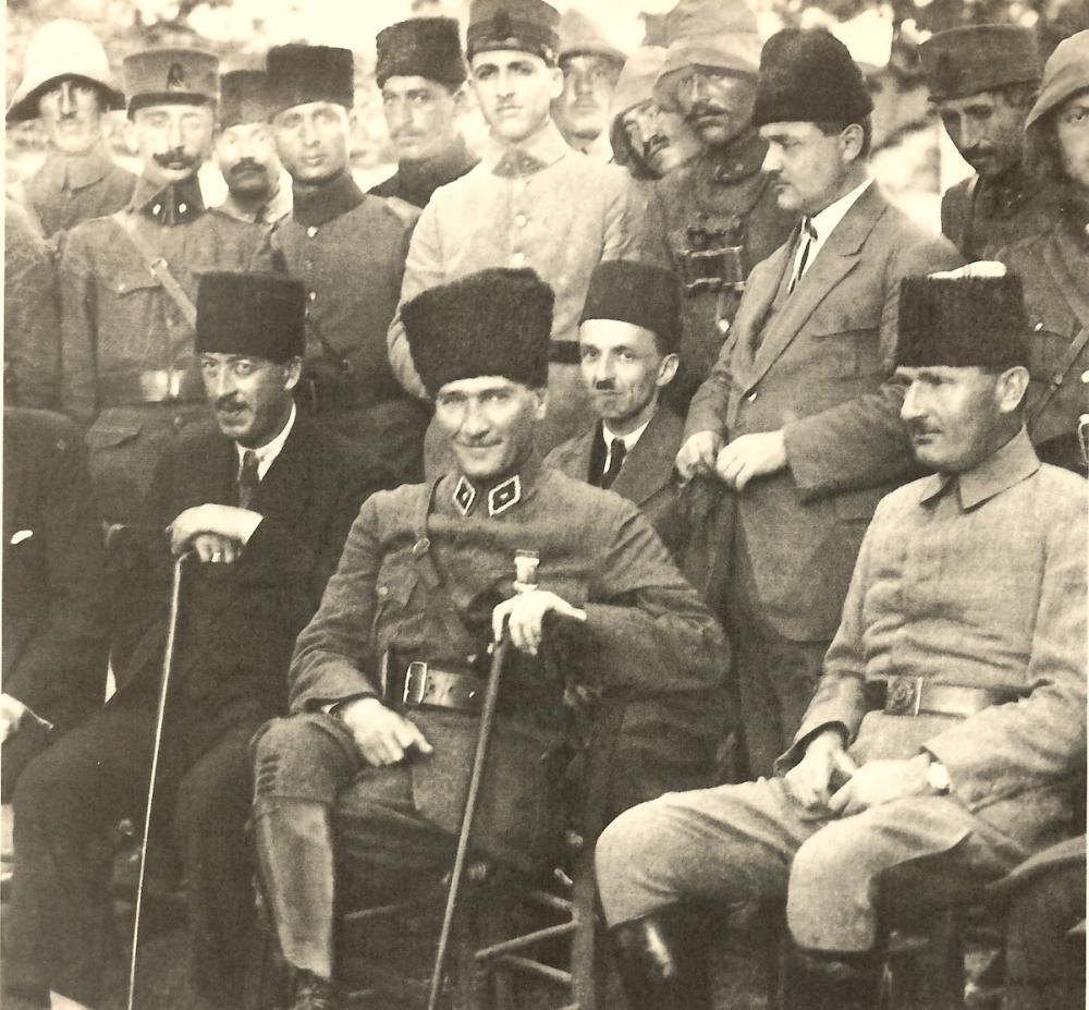 Mustafa Kemal Atatürk, Halkla Beraberken, Mustafa Kemal Atatürk, Poster Satış, all posters, kanvas tablo, canvas print sales