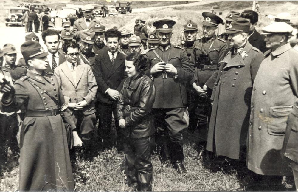 Mustafa Kemal Atatürk, Briefing at the Drill Site, Mustafa Kemal Atatürk, Poster Satış, all posters, kanvas tablo, canvas print sales