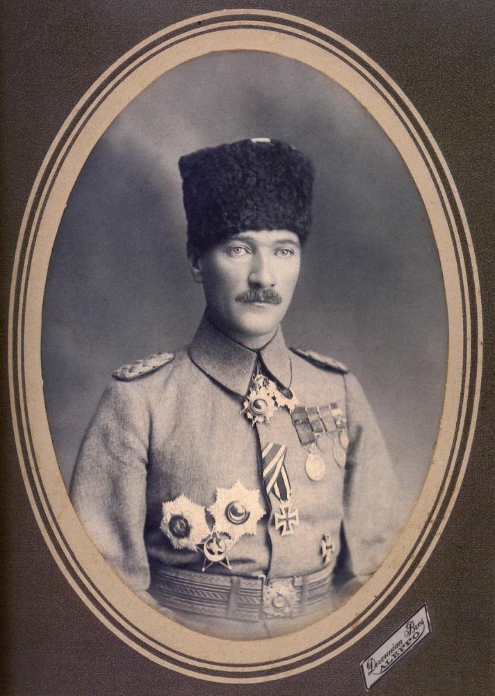 Mustafa Kemal Atatürk, Halep te 1917, Mustafa Kemal Atatürk, Poster Satış, all posters, kanvas tablo, canvas print sales