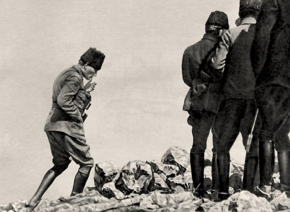 Mustafa Kemal Atatürk, Afyon Kocatepe Sırtlarında, Büyük Taarruz Sırasında 3, Mustafa Kemal Atatürk, Poster Satış, all posters, kanvas tablo, canvas print sales